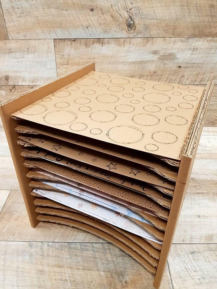 regal mit 12 f chern idee manufaktur. Black Bedroom Furniture Sets. Home Design Ideas
